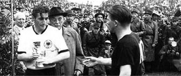 Selección Uruguaya de Fútbol Mundial-1954-campeon-alemania-rf_70201